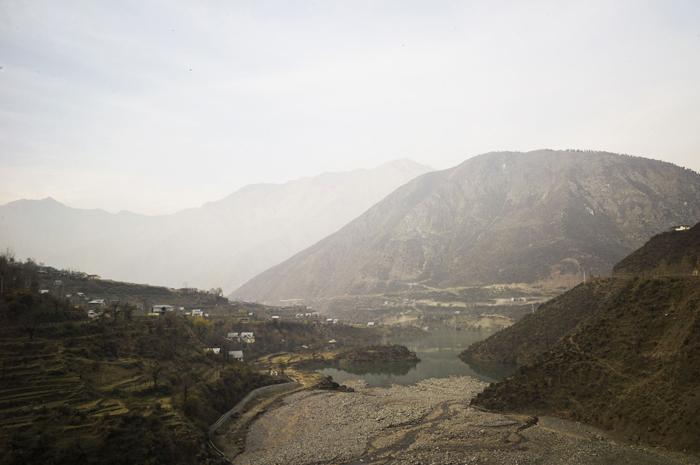 La ville d'Uri, nichée dans la montagne Crédits : Sami Siva
