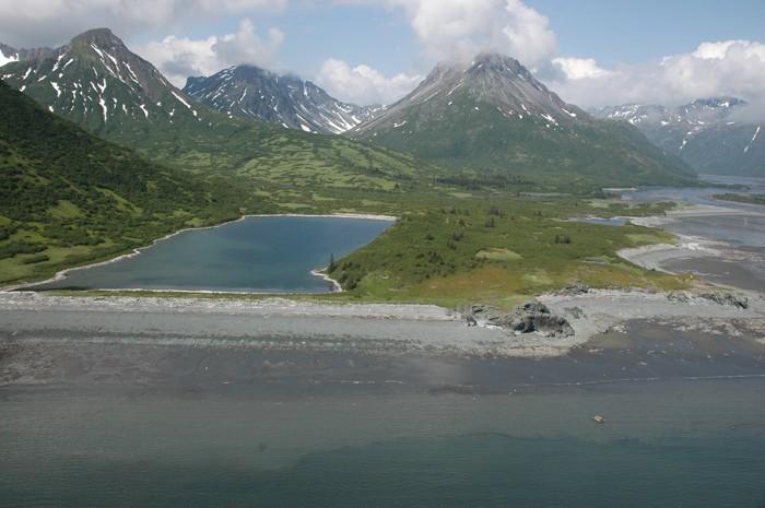 Photo aérienne de la baie de KamishakCrédits