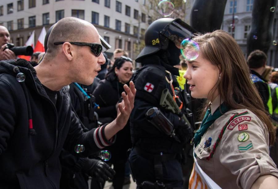 Lucie, la scoute qui tenait tête aux néo-nazis