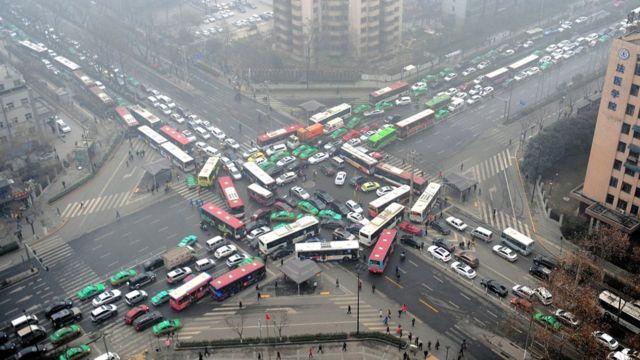 La Chine envisage l'arrêt des voitures à essence