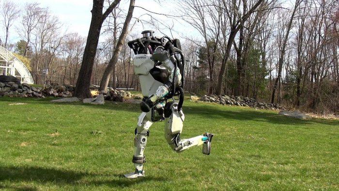 Le robot Atlas se met à l'ultra-trail
