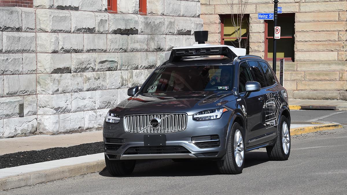une voiture autonome uber tue un pi ton aux usa. Black Bedroom Furniture Sets. Home Design Ideas