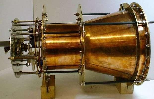 46fb62d1d4_95484_em-drive-propulseur