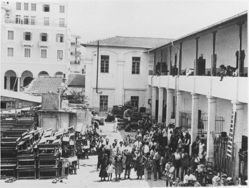 Des familles juives sans logement à la suite du pogrom de 1931Crédits : wikipédia