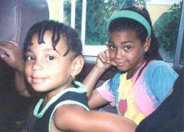 A-young-Solange-Knowles-and-Beyoncé-Knowles