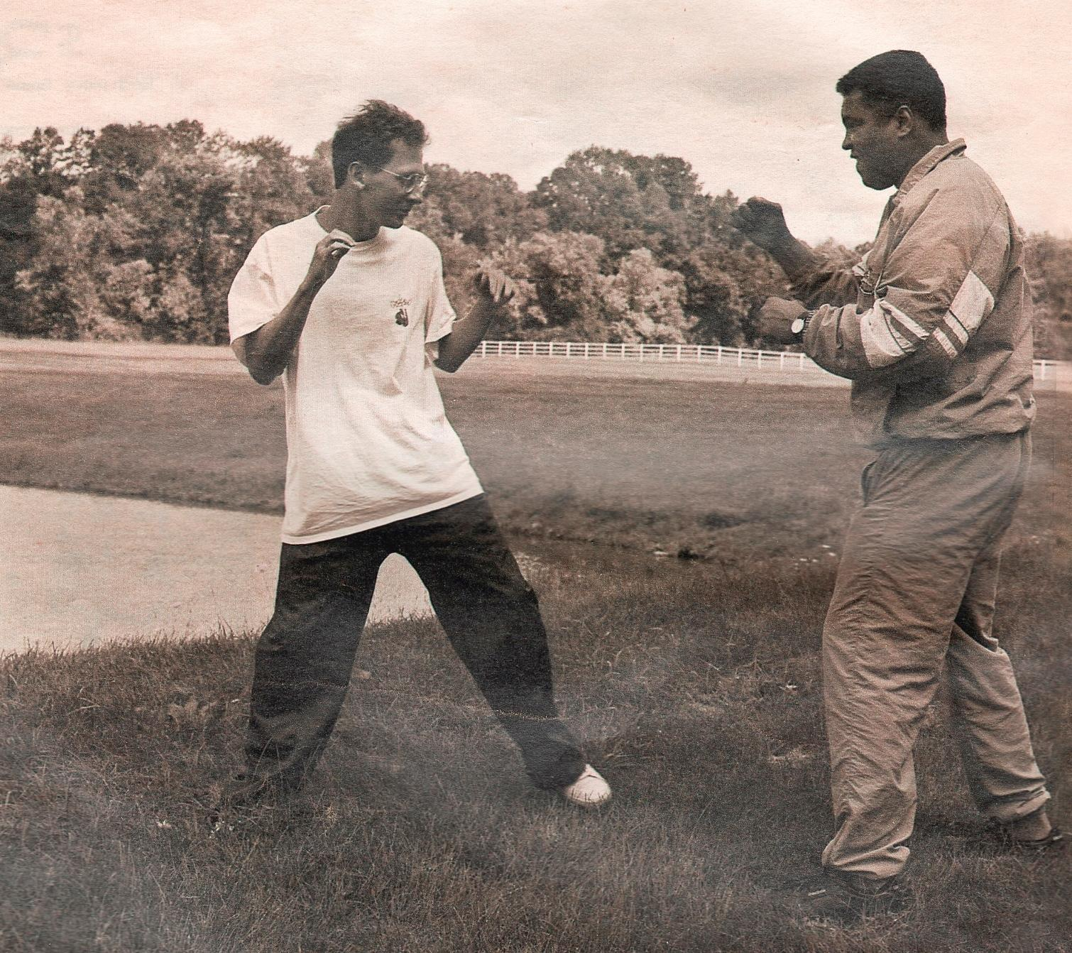 Approaching_Ali_10_-_Davis_Miller_and_Muhammad_Ali_-_photo_courtesy_of_Davis_Miller