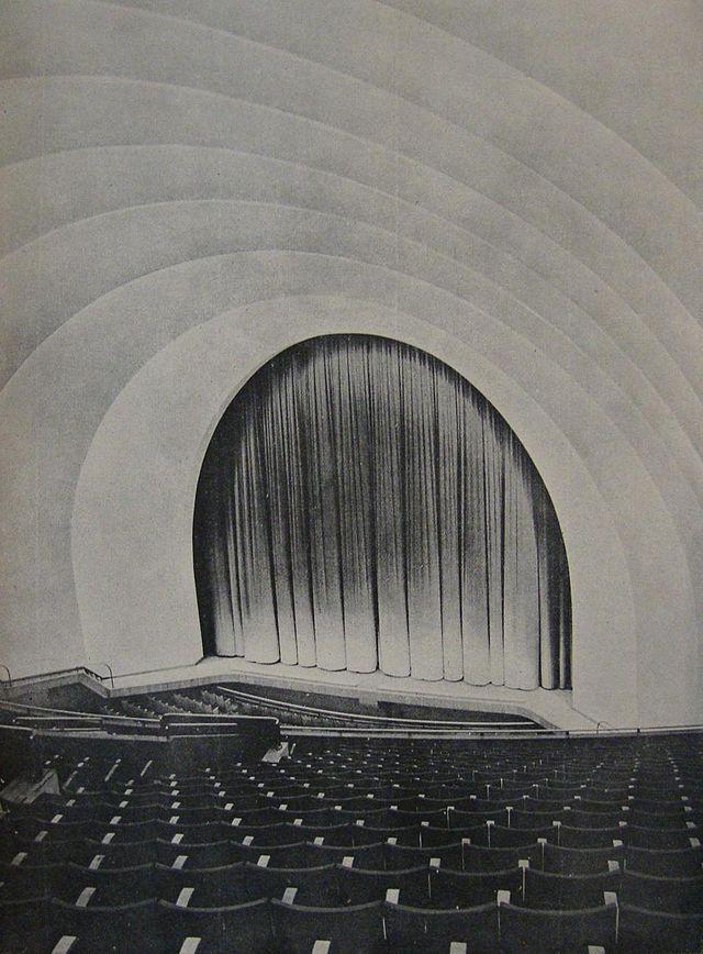 Salle du Rex, 1937