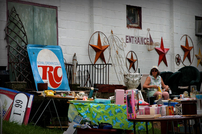 Brocante lors du RC Cola & Moon Pie Festival à Bell Buckle dans le TennesseeCrédits