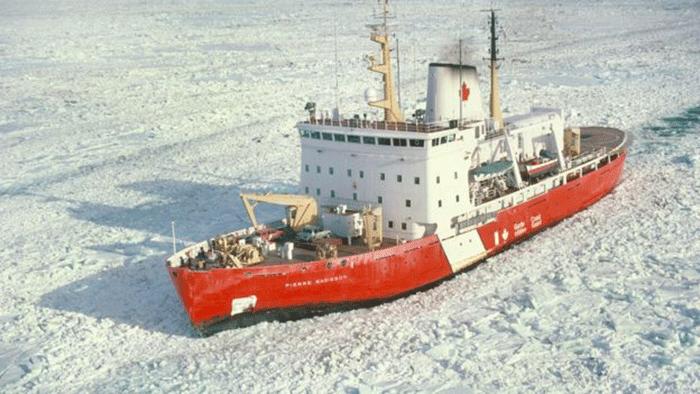 Le Pierre Radisson et son capitaine Stéphane Julien sont partis à la recherche du naufragéCrédits : Canadian Coast Guard