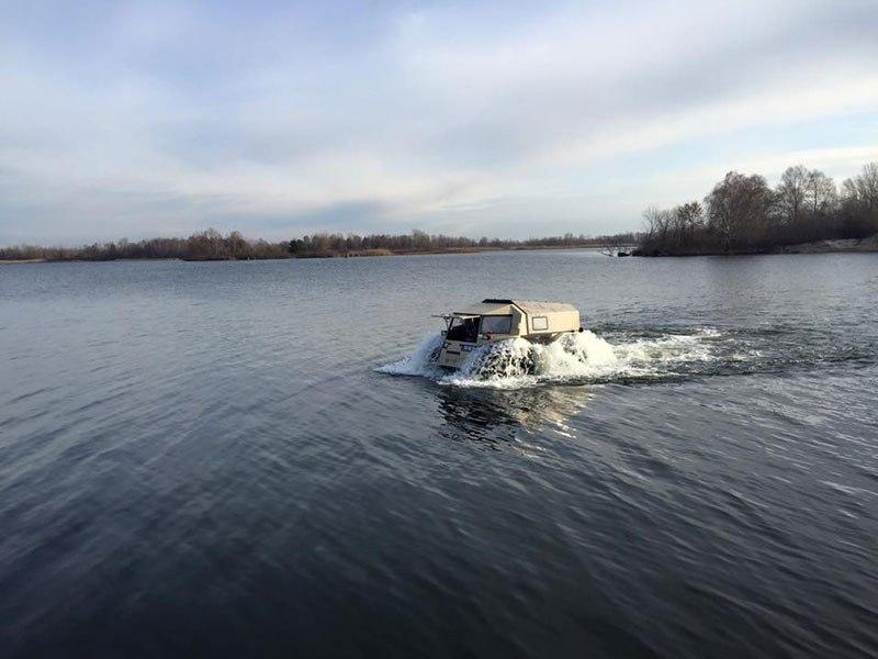 sherp-atv-russian-amphibious-truck-with-monster-wheels-9