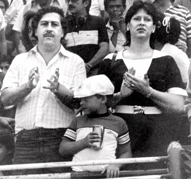 the-normal-life-of-pablo-escobar-and-family-17