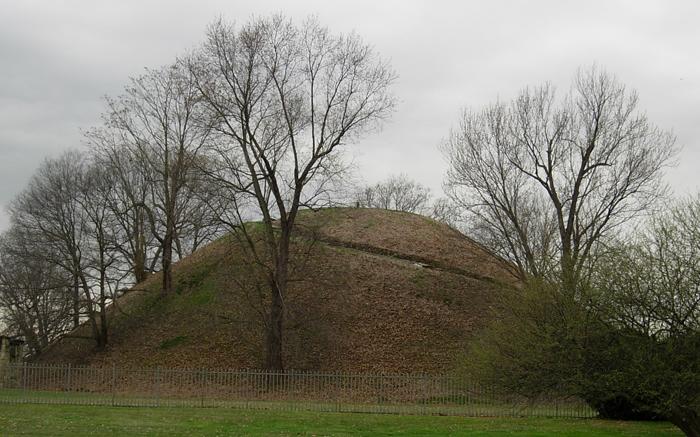 Grave Creek Mound aujourd'huiCrédits