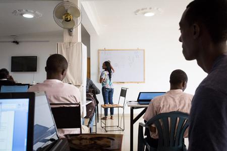 Des étudiants assistent à un cours d'algèbreCrédits : Juan Herrero