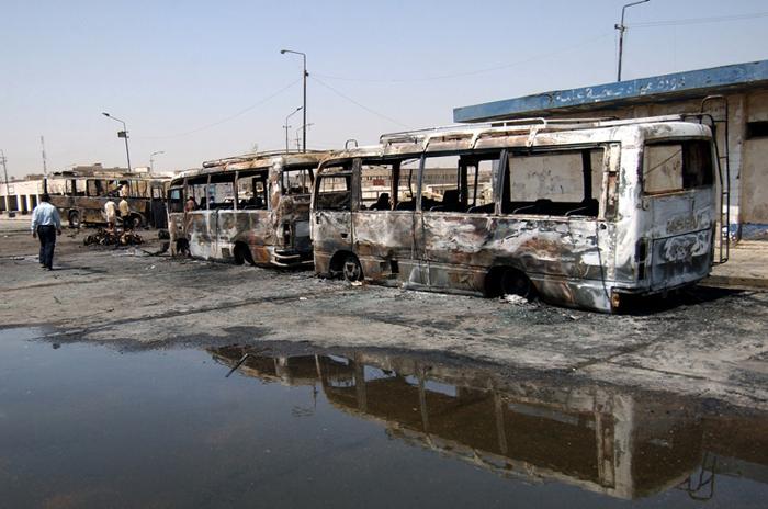 Des carcasses de bus piégésCrédits : U.S. Army