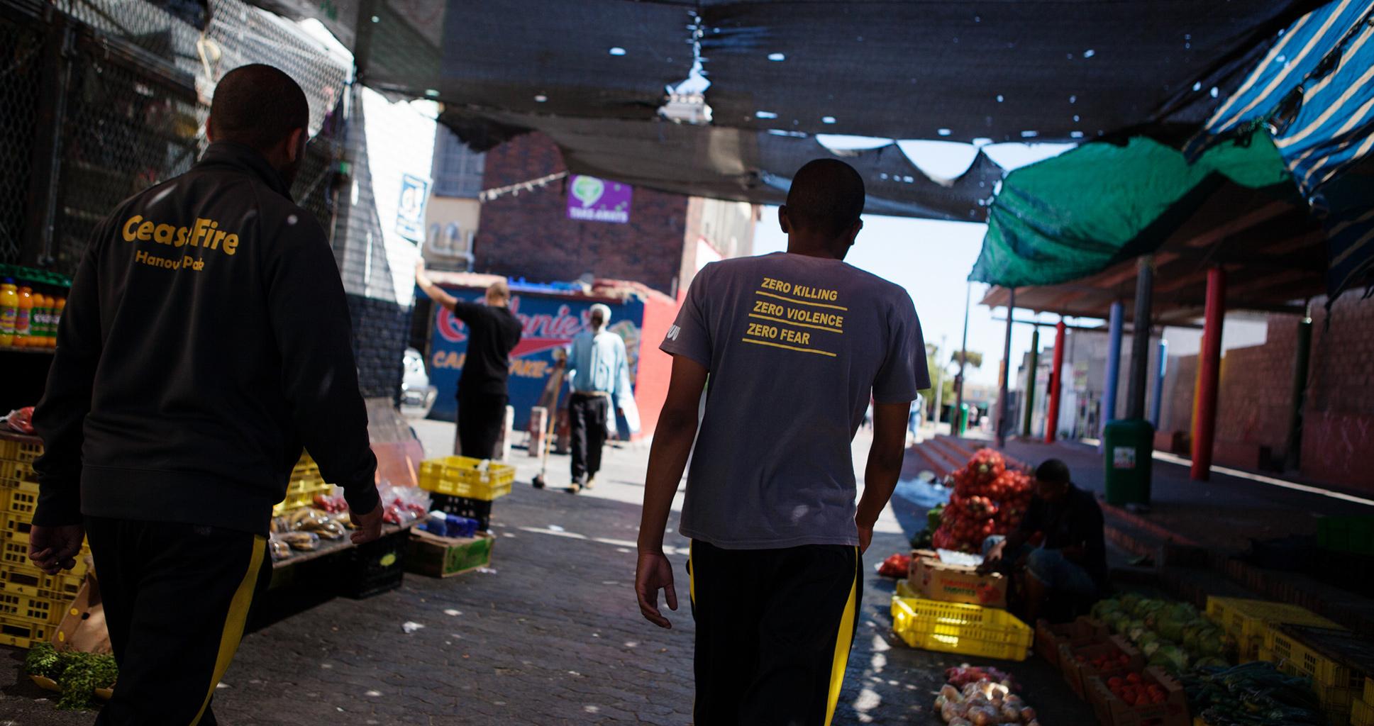 Quand d'anciens gangsters du Cap luttent contre la violence armée