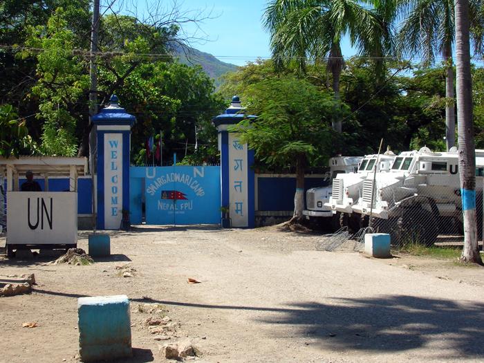 Une des bases de la Mission des Nations Unies pour la stabilisation en Haïti (MINUSTAH)Crédits