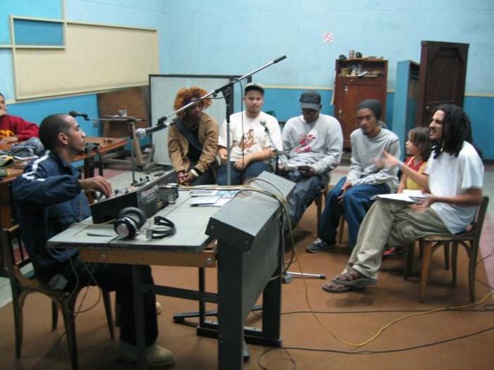 Ariel Hernandez lors de son émission Microfonazo à La Havane, en 2004Crédits : Ariel Fernandez-Diaz