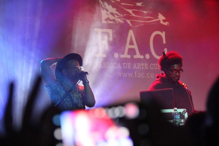 Edgaro Productor n Jefe et Questlove en concert à La HavaneCrédits : Edgaro Productor n Jefe