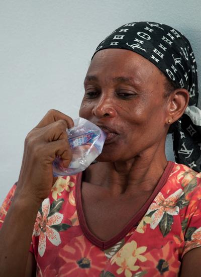 L'eau en sachet est à un prix abordableCrédits : Wikimedia