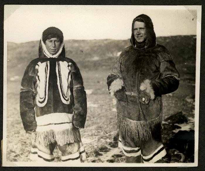 L'explorateur Knud Rasmussen et l'ethnographe Kaj Birket-SmithCrédits