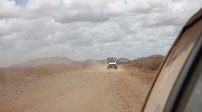 La route vers le nord est une simple route de terreCrédits