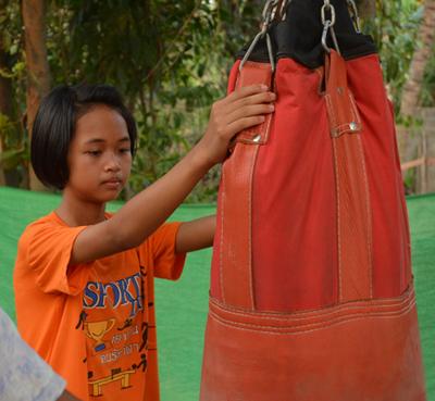 Grâce à muay-thaï Ann va pouvoir quitter le villageCrédits : Lindsey Newhall