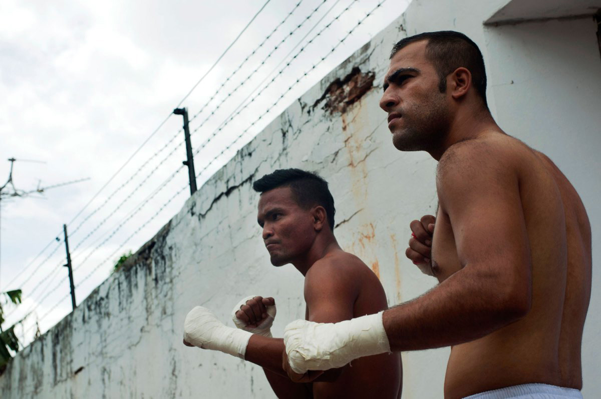 ulyces-prisonfight-04