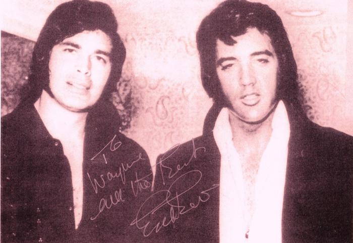 Peu de fans s'intéressent au fait qu'Elvis jouait au raxquetballCrédits