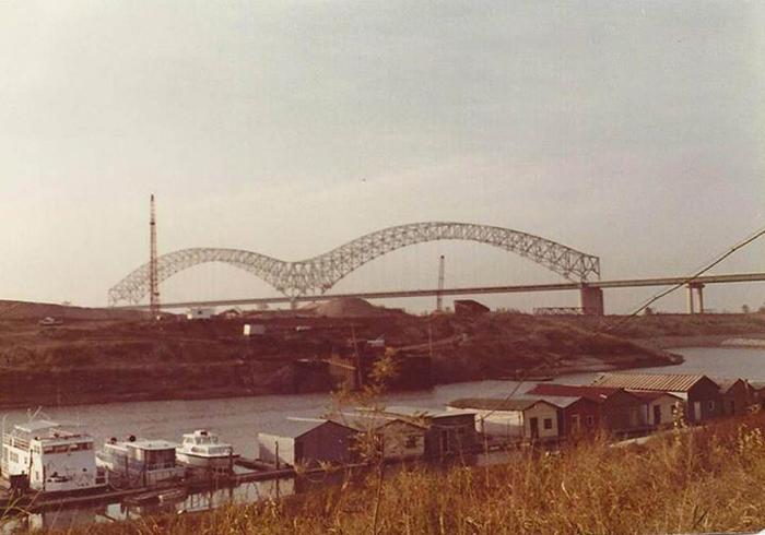 Le pont de MemphisCrédits