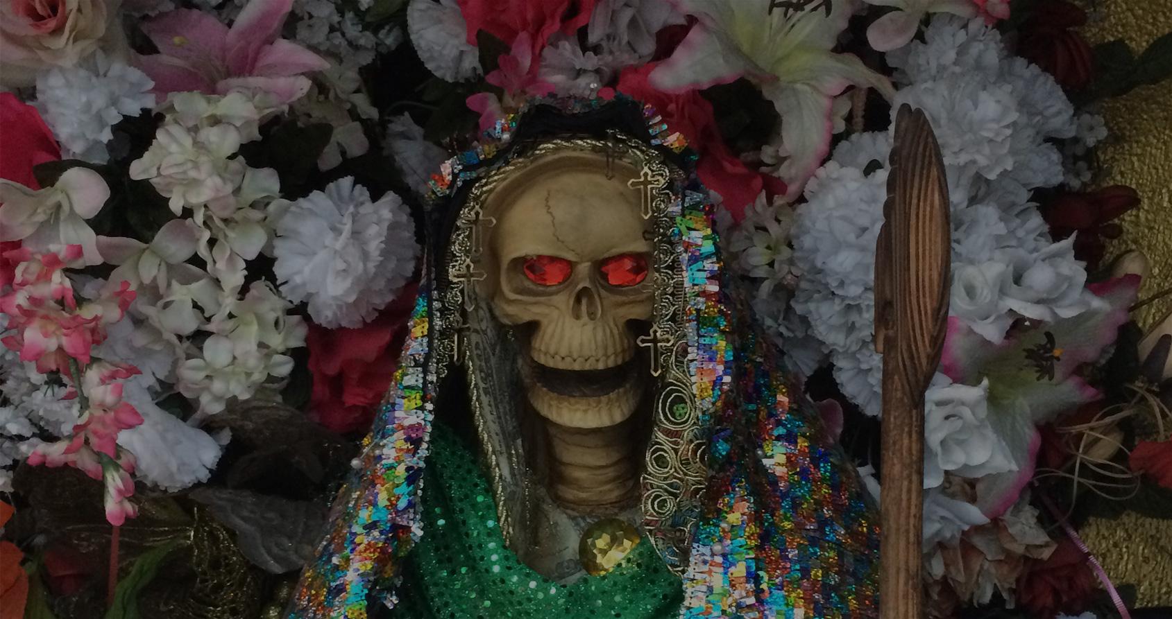 Santa Muerte : sur la piste du culte de l'ange de la mort à Los Angeles