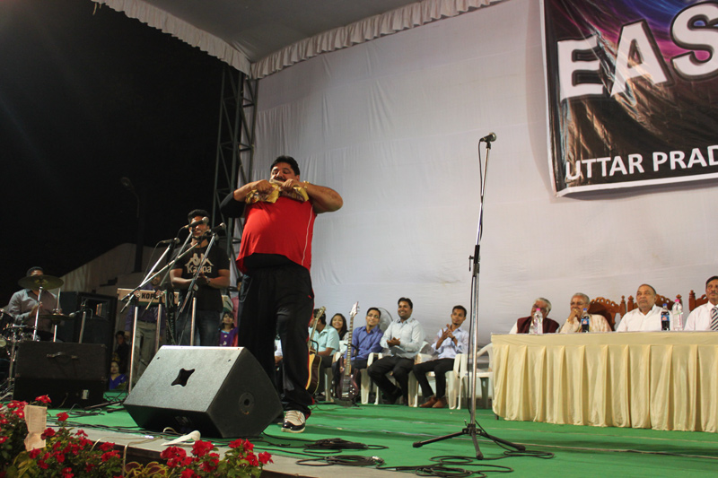 ulyces-strongindia-02