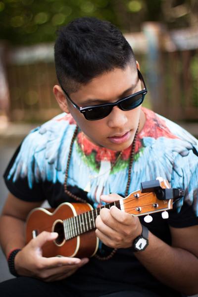 ulyces-ukulele-05