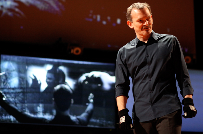 John Underkoffler présente son interface utilisateurCrédits : TED