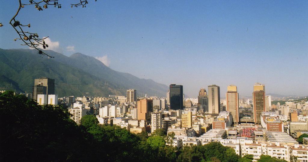 ulyces-venezuelaoil-03
