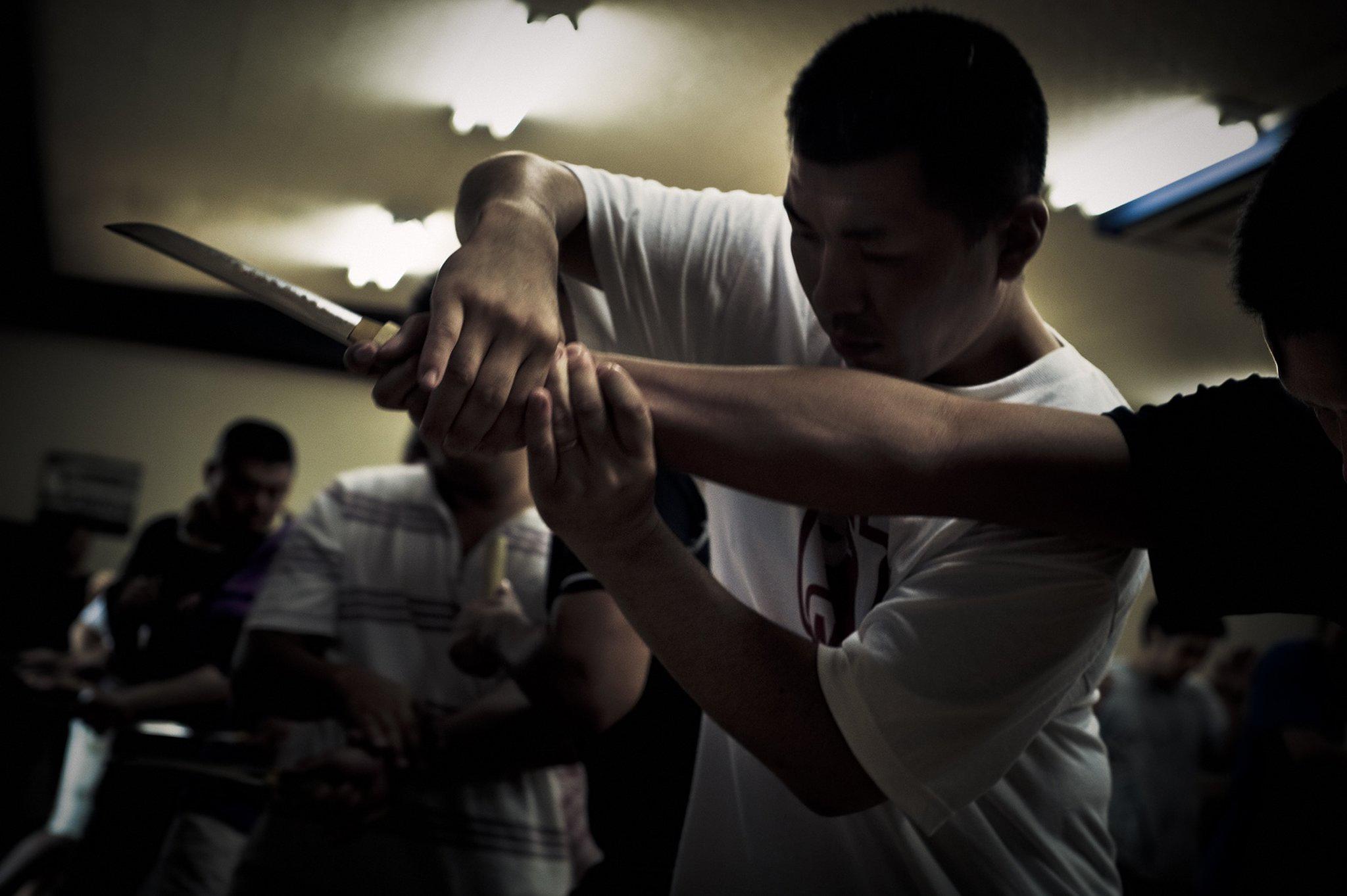 Les jeunes recrues sont entraînées au combatCrédits : Anton Kusters