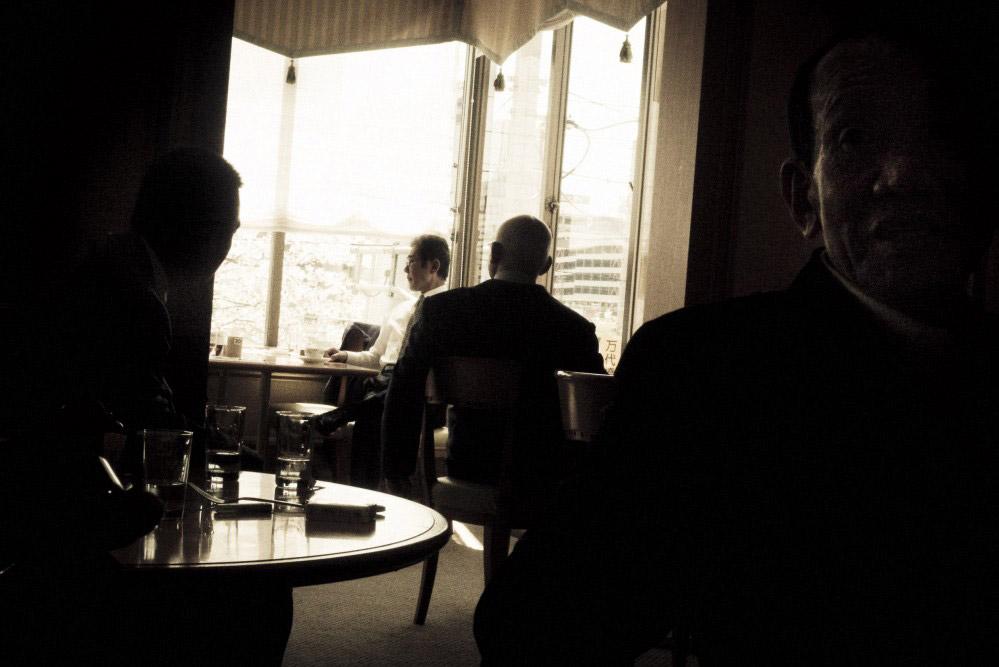 Ce bar a été entièrement vidé pour permettre à un des chefs de boire son caféCrédits : Anton Kusters