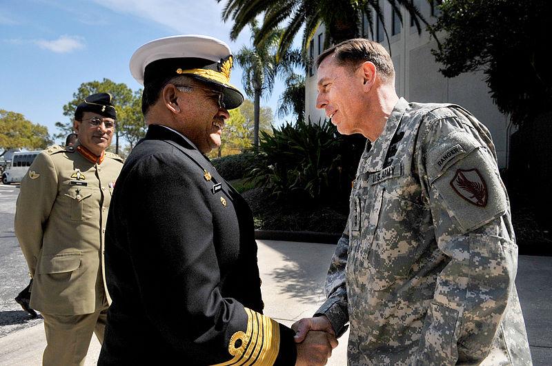 Le général David PetraeusCrédits : Wikipédia