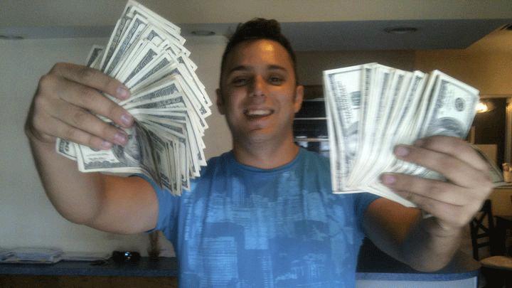 Max Bocanegra n'avait pas peur de montrer son argent lors des soirées