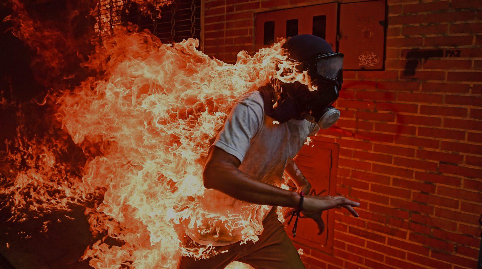 Comment une photographie est devenue le symbole de la crise qui consume le Venezuela