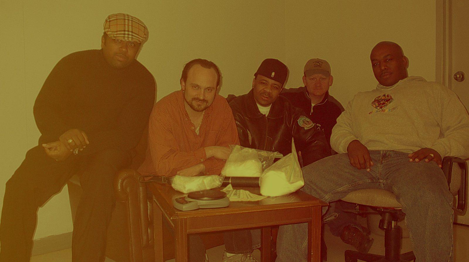 Ces agents infiltrés ont créé un faux studio de rap pour arrêter des narcos