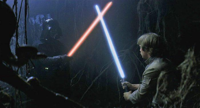 La nouvelle arme (très officielle) de l'escrime — Sabres lasers