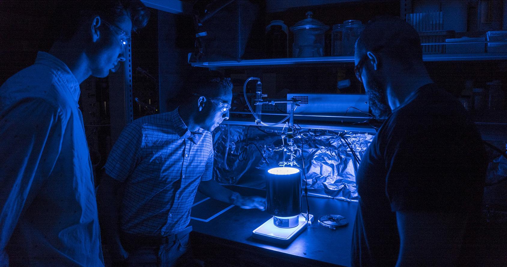 Parviendra-t-on à créer un carburant à partir d'air et de lumière ?