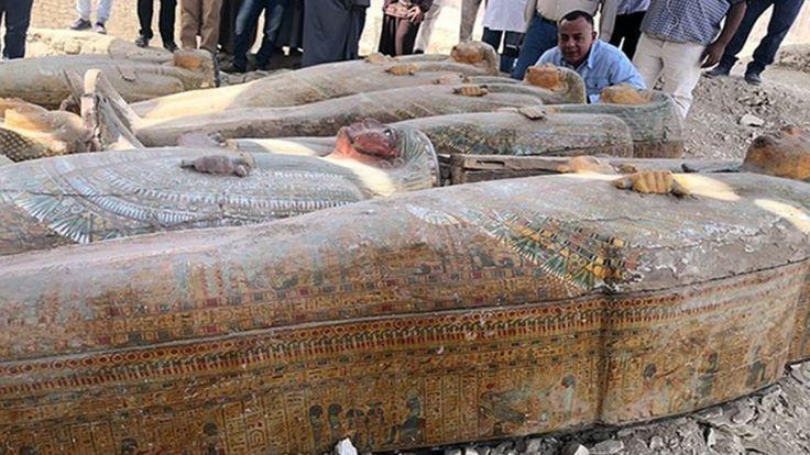 Egypte: une trentaine de sarcophages de plus de 3 000 ans dévoilés
