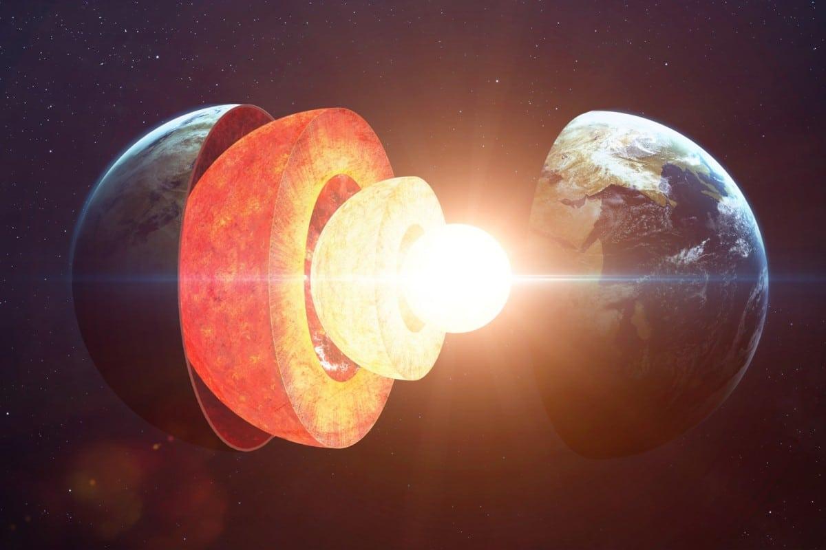 Des scientifiques détectent les signes d'une structure cachée au centre de la Terre - Ulyces