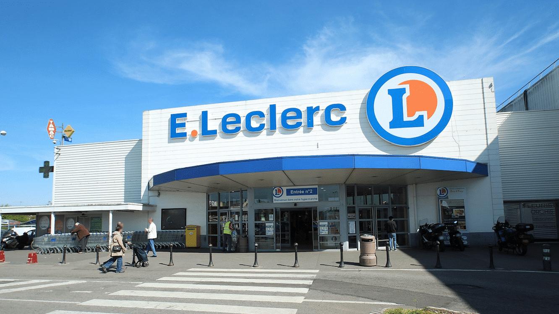 Le patron d'un Leclerc ferme son magasin en plein après-midi pour faire la  fête avec ses employés